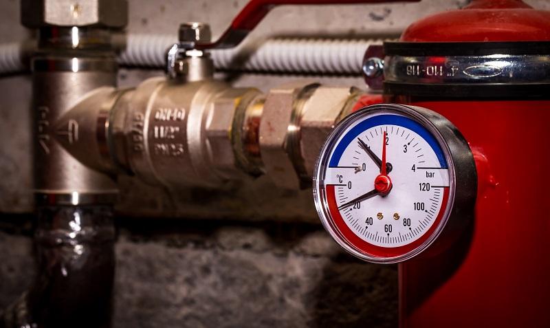 Heizung entlüften: Der auf der Erde vorherrschende Druck wird mit 1 Bar gerechnet. (#03)