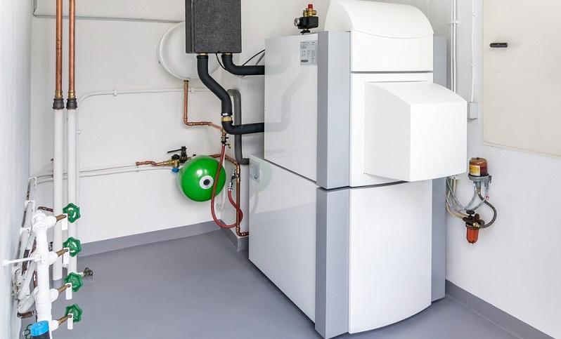 Die meisten angehenden Bauherren wissen, dass die KfW Förderung für eine Wärmepumpe zu beantragen ist. (Foto-Shutterstock: gcpics)