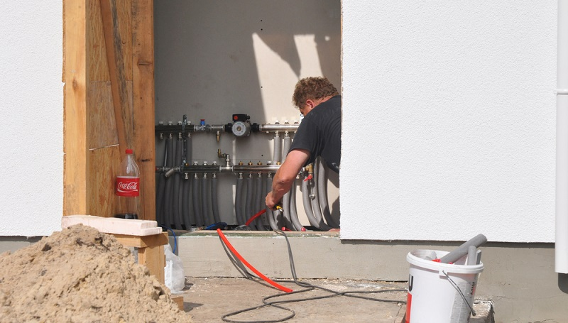 """Wer das Programm """"Energieeffizient sanieren"""" (430) nutzt, kann einen Antrag auf verschiedene Förderungen der KfW stellen. (Foto- shutterstock_ Radovan1)"""