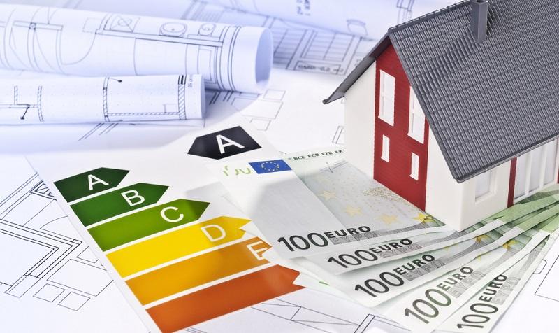 Die Bundesregierung verfolgt das Ziel, dass mehr Häuser in <strong>Privatbesitz</strong> die Kriterien des energieeffizienten Bauens erfüllen.  ( Foto: Shutterstock- gopixa )
