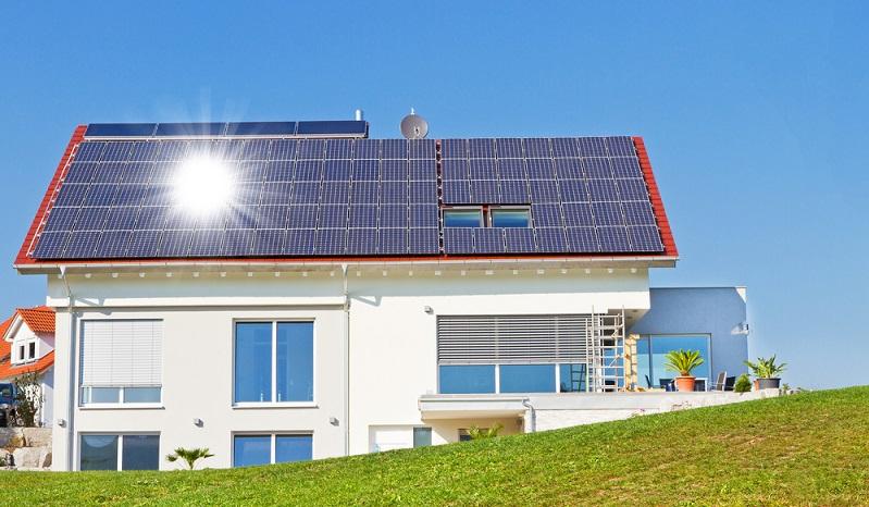 Gerade bei Neubauten habt die KfW-Bank <strong>besonders hohe Ansprüche</strong>.  ( Foto: Shutterstock- _Juergen Faelchle)