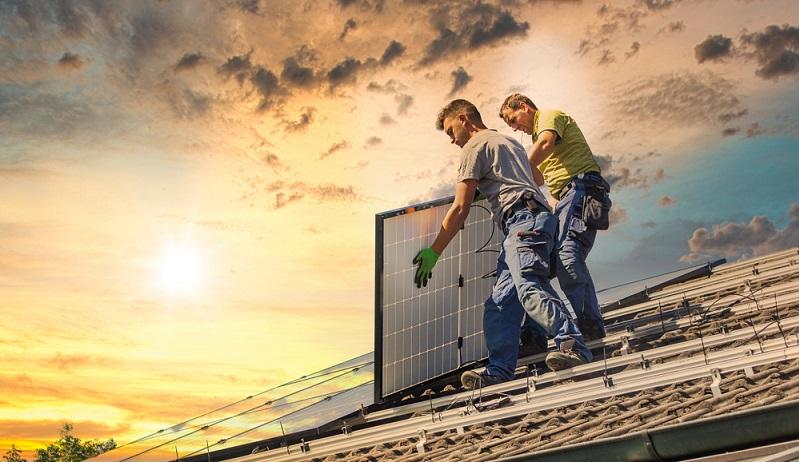 Die <strong>Photovoltaikanlage</strong> dagegen <strong>erhält keine Fördergelder</strong> bei der KfW-Bank.  ( Foto: Shutterstock-_moreimages  )