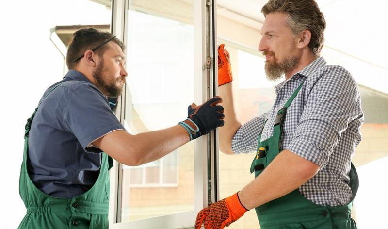 Fensterflächen können richtige Energiefresser sein.  ( Foto: Shutterstock-  New Africa )