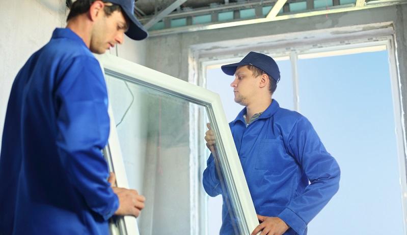 Wenn Sie Fenster und Fenstertüren <strong>in der Fassade</strong> erneuern, müssen diese mindestens einen U-Wert von <strong>0,95</strong> aufweisen.  ( Foto: Shutterstock-_Pavel L Photo and Video )