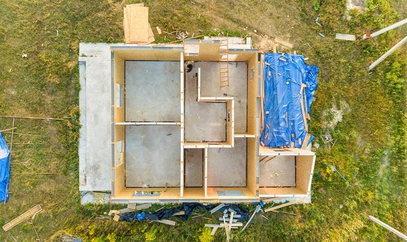 Sofern die Immobilie die <strong>notwendigen Förderbedingungen</strong> erfüllt, kann eine KfW-Förderung Neubau im Förderprogramm 153 beantragt werden. ( Foto: Shutterstock- Bilanol )