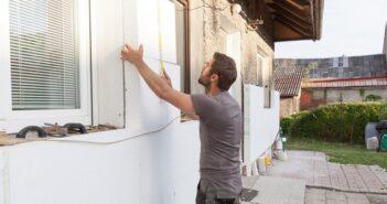 KfW Förderung Sanierung: Gebäude sanieren mit staatlicher Unterstützung ( Foto: Shutterstock-Rades)